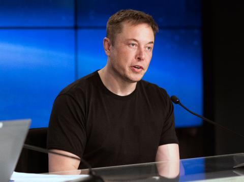 Así prepara Elon Musk la retirada de Tesla de bolsa