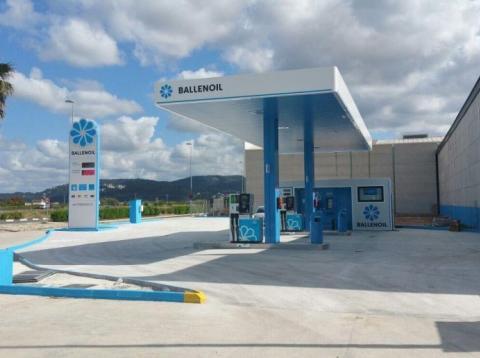 Gasolinera Ballenoil