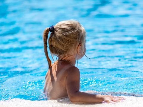 Los hoteles de lujo refuerzan sus estrategias para atraer al turismo familiar en que participen juntos padres e hijos.