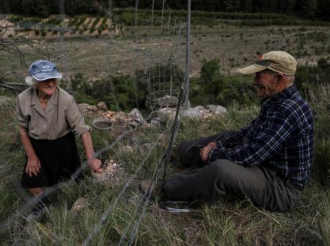 Juan Martín Colomer y su esposa Sinforosa Sancho, ambos de 84 años, han vivido solos en la aldea de La Estrella durante más de 30 años.