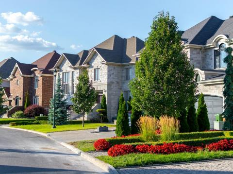 The median home listing price in the US is nearly $280,000.