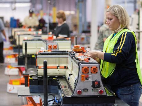 La producción de coches eléctricos se ve limitada por la de componentes clave para sus baterías