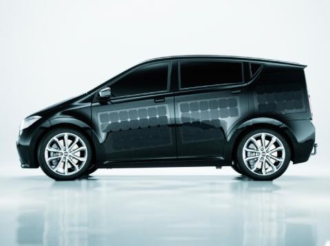 Sono Scion coche eléctrico paneles solares