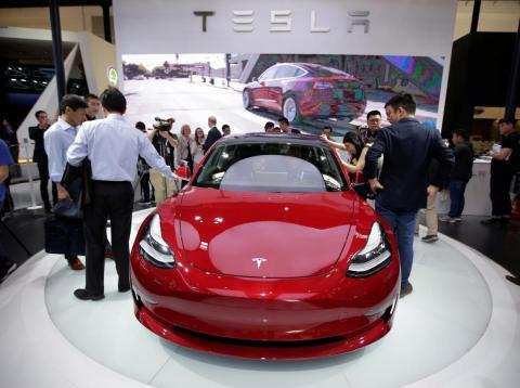 Un Tesla Model 3 [RE]
