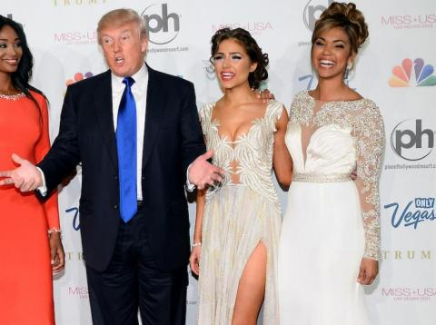 Donald Trump with the 2012 winners of the Miss Universe, Miss Teen USA, and Miss USA pageants.