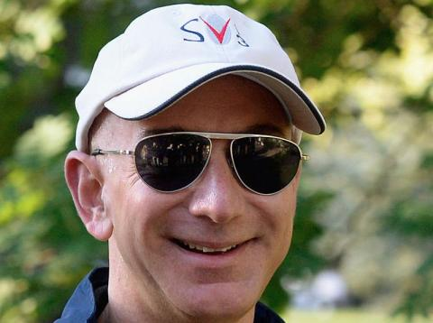 Jeff Bezos works hard for his money, but his daily routine indicates that he's not addicted to work.