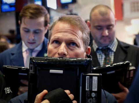 Traders preocupados ante el comportamiento de los índices en Wall Street