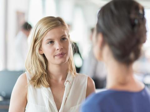 3 maneras de cambiar de tema de conversación sin que resulte incómodo [RE]