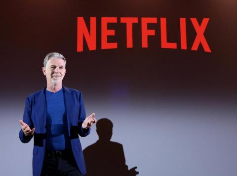 Reed Hastings, CEO of Netflix, chose the living room of his home in Santa Cruz.