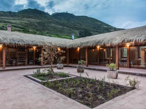 Mil se encuentra entre las montañas peruanas [RE]