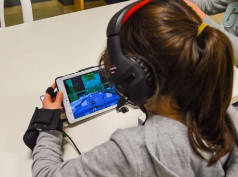 el sonido y la música influyen de forma inconsciente en la atención y la respuesta emocional de los niños.