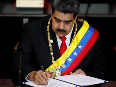 Nicolás Maduro toma posesión de su segundo mandato