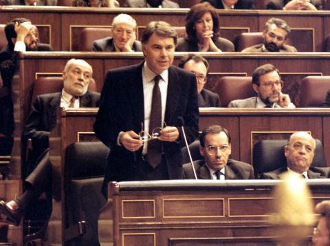 Felipe González, en la sesión de investidura del Congreso en 1989