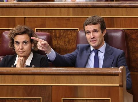 Pablo Casado gesticula en el Congreso
