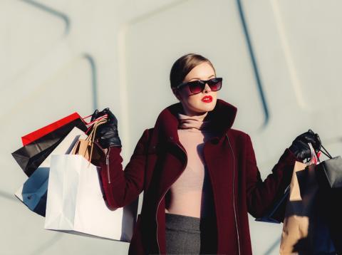 Chica compras ropa