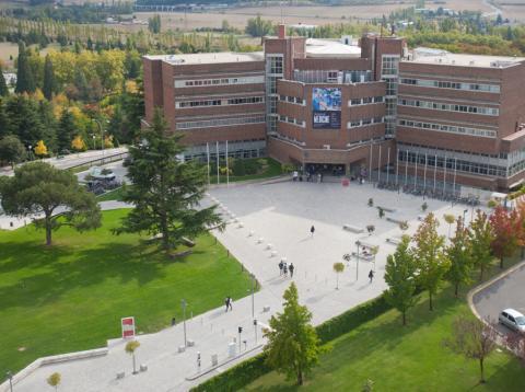 así es estudiar en la universidad más cara de España