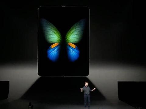 Samsung acaba de enseñar su nuevo móvil plegable, el Galaxy Fold.