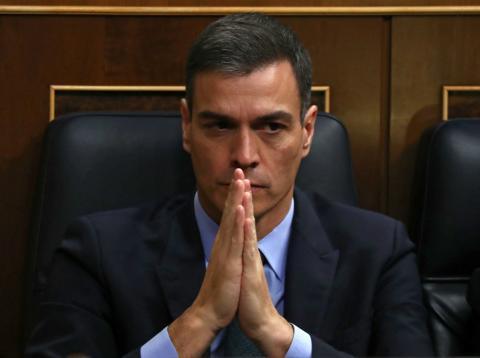 Pedro Sánchez, presidente del Gobierno, en su escaño en el Congreso de los Diputados