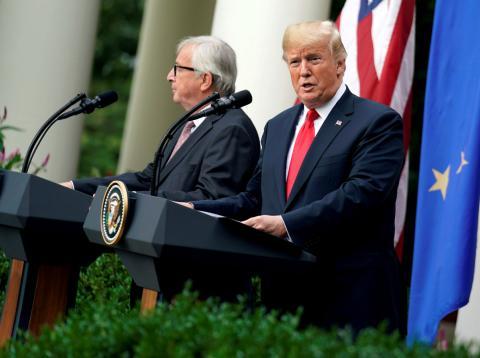 El presidente de la Comisión Europea, Jean-Claude Juncker, y el de EE.UU., Donald Trump