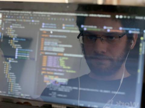 4. Los desarrolladores de software de aplicaciones crean y modifican software de aplicaciones informáticas generales