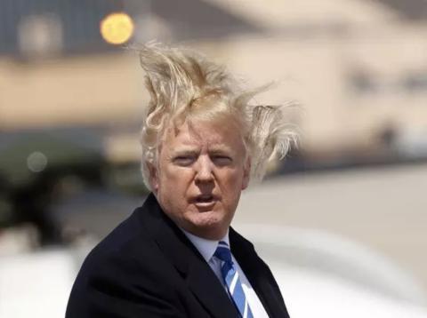 Donald Trump, con su melena al viento