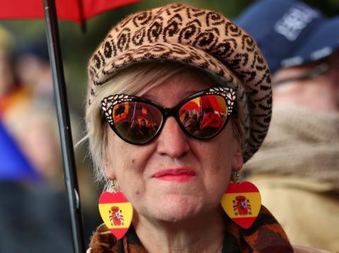 Una mujer, durante la manifestación contra Pedro Sánchez en Colón (Madrid) de febrero de 2019