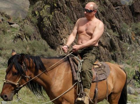 Vladimir Putin, a lomos de un caballo