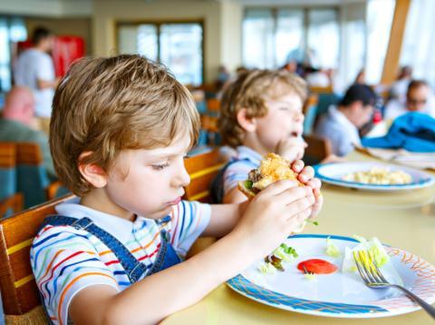 este es el principal problema con los comedores escolares según famoso nutrionista