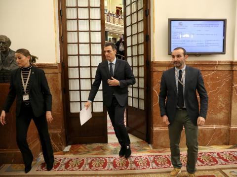 Pedro Sánchez abandona el Congreso de los Dipitados