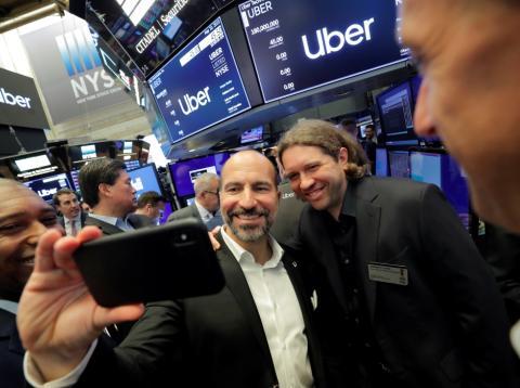 El CEO de Uber, Dara Khosrowshahi, y el cofundador Garrett Camp en la salida a bolsa de la empresa.