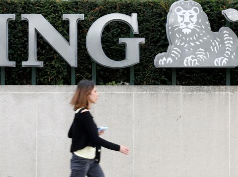 Logo de ING Group en las oficinas del grupo en Bruselas.