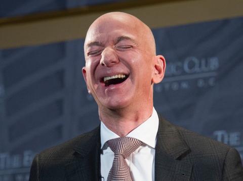Cómo es Amazon como inversor y comprador.