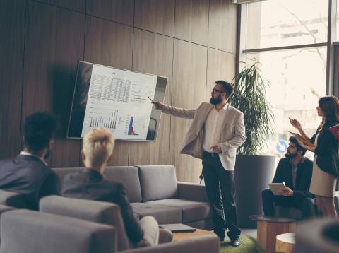 Un equipo de inversores siguiendo una metodología de inversión