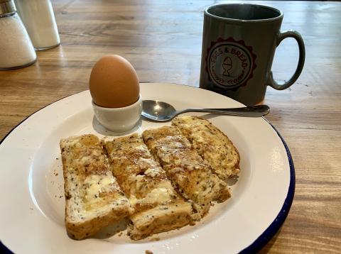Fotografía del desayuno publicada en la cuenta personal de Steve Parks.