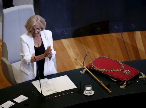 Manuela Carmena siendo investida alcaldesa en 2015.