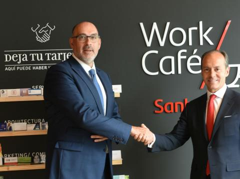 El presidente de Telefónica España, Emilio Gayo, y el consejero delegado de Santander España, Rami Aboukhair.