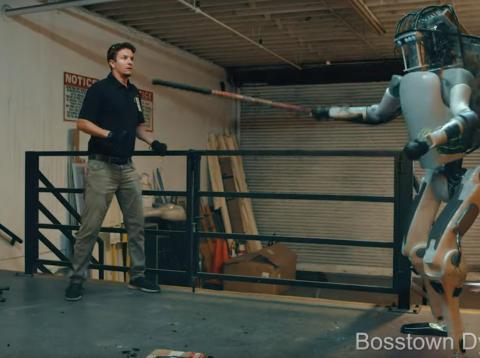 Publican un vídeo de un robot de Boston Dynamics rebelándose contra sus creadores y desatan el pánico en redes