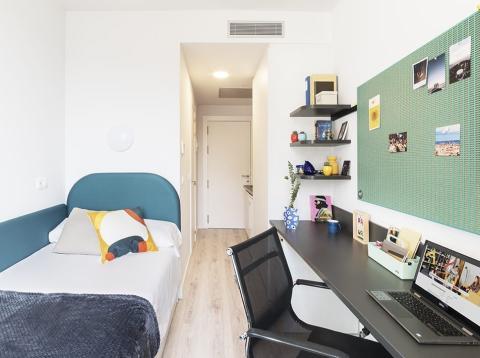 Habitación de la residencia de Barcelona