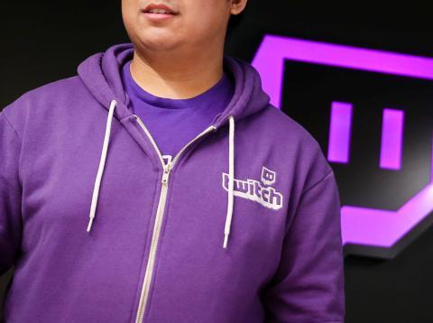 Twitch es una plataforma que ofrece un servicio de streaming de video en vivo, propiedad de Amazon.