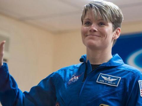 Una astronauta podría haber cometido el primer crimen espacial mientras estaba abordo de la Estación Espacial Internacional.