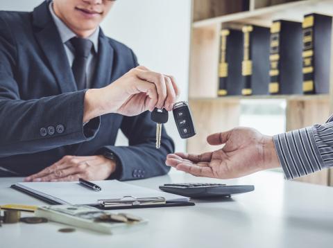 Cómo es el renting de coches en España. Así lo hace cada marca