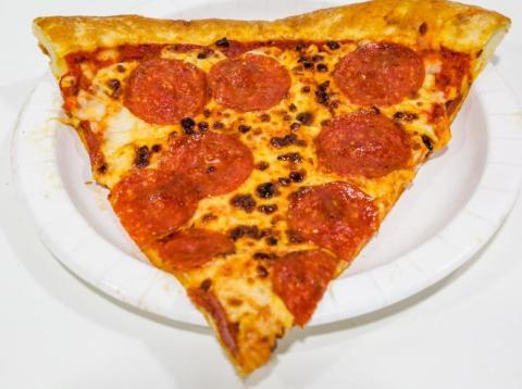 Domino's Pizza se ha gastado más de 7 millones de euros en almacenar ingredientes y salsa de tomate para prepararse ante un Brexit duro