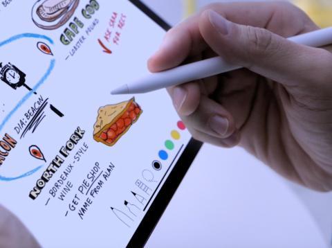 Usuario utilizando iPad Pro con Apple Pencil