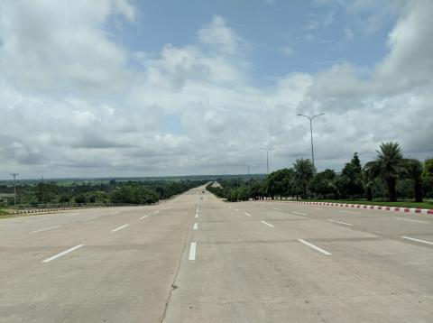 autopista de 20 carriles en Naypidaw, Myanmar