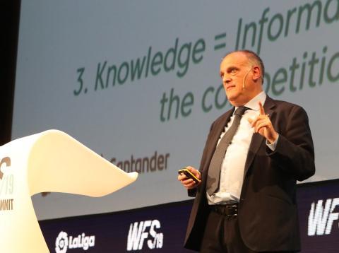 Javier Tebas, presidente de LaLiga, durante su conferencia en el World Footbal Summit