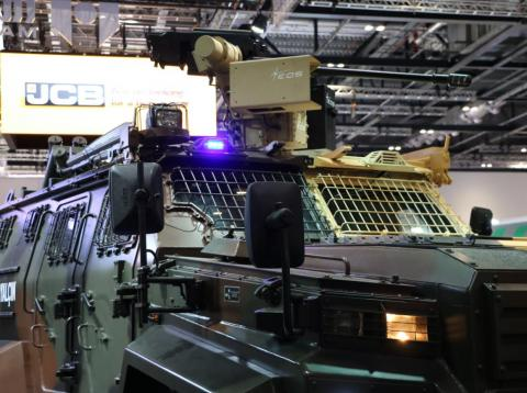 El fabricante de armas turco Otokar exhibió su nuevo camión militar en la exposición DSEI de Londres.