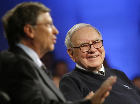 Bill Gates junto a Warren Buffett.