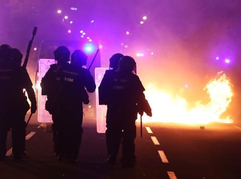 Disturbios policiales en Barcelona durante las protestas por la sentencia del procés
