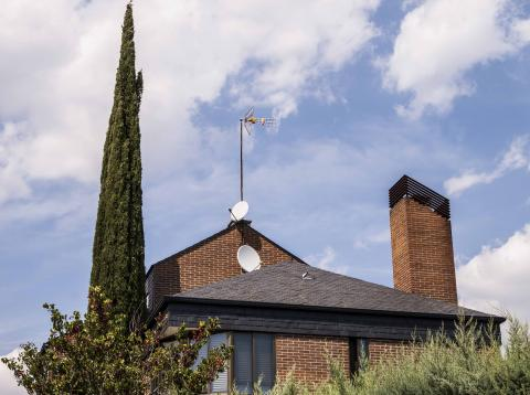 Antena en vivienda particular.