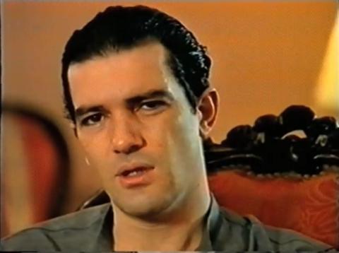 Antonio Banderas, durante un vídeo electoral del PSOE en 1996